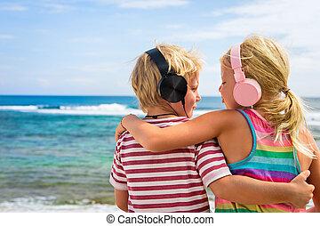 headphones, strand, geitjes, vrolijke , het luisteren, muziek