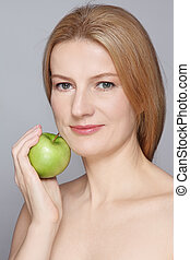 Healthy ageing - Portrait of beautiful healthy happy mature...