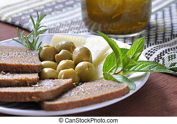 Mediterranean diet - Healthy and nutritious plate of ...