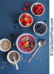 healthy berry smoothie bowl with strawberry blueberry ...