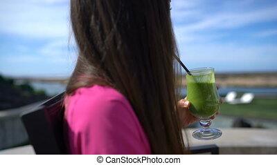 Healthy diet juice detox woman drinking green vegetable ...