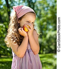 Healthy food - child with apple