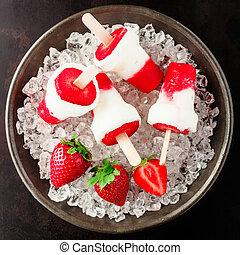 Healthy frozen strawberry dessert