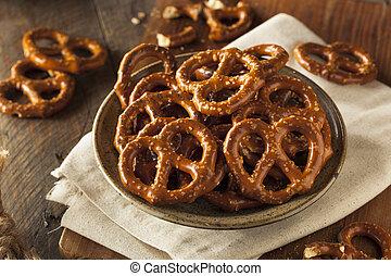 Healthy Salty Baked Pretzels