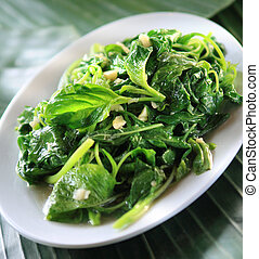 healthy spinach & garlic dish - Healthy diet vegetarian ...