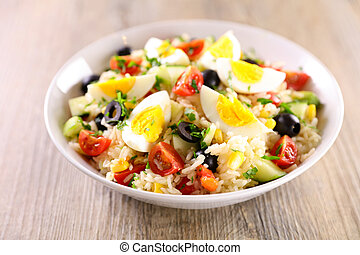 healthy vegetable salad with egg