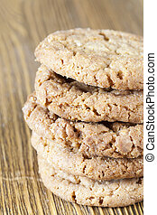 heap of round whole wheat cookies