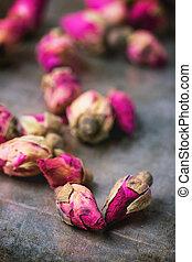 Heap of tea roses