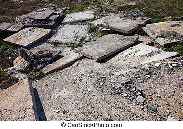 Heap of the old concrete blocks