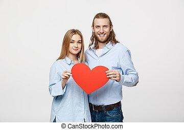 heart., par, jovem, papel, segurando, retrato, amor, vermelho, feliz