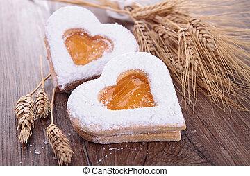 heart shape biscuit