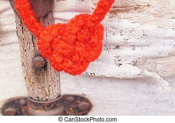 Heart-shaped knot