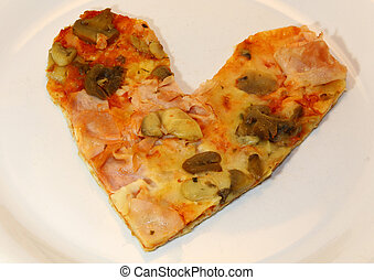 heart-shaped, pizza, mit, fleischtomaten, pilze