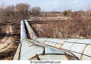 Heating pipelines