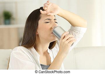 heatstroke, sediento, sugffering, soda, niña, bebida