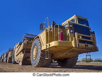 Heavy duty construction earth mover