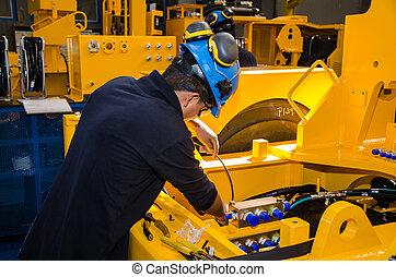 Heavy machinery mechanic
