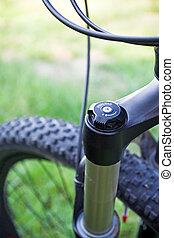 hegy bicikli, abszorber, részletez