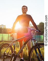 hegy bicikli, biciklista, lovaglás, -ban, napkelte, egészséges életmód, aktivál, atléta, cselekedet, sport