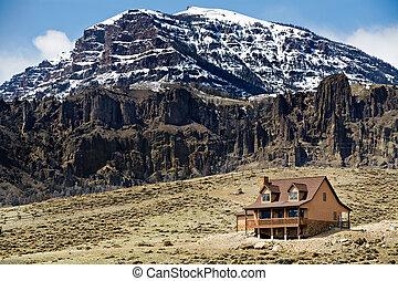 hegy, otthon