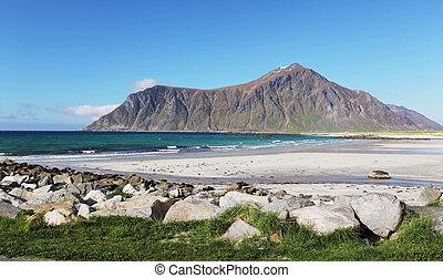 hegyek, és, fjord, alatt, norway., elhomályosul, blue, ég
