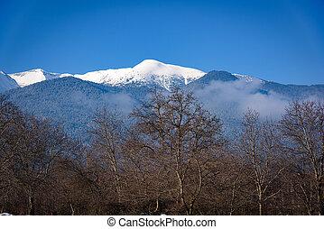 hegyek, köd, havas
