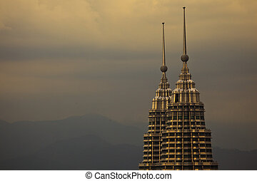 hegyek, közül, kuala lumpur, malaysia, noha, kilátás, közül, petronas emelkedik, -ban, félhomály