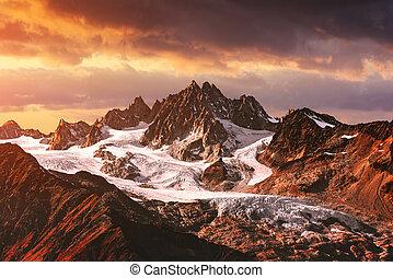 hegyek, napnyugta, csúcs, táj