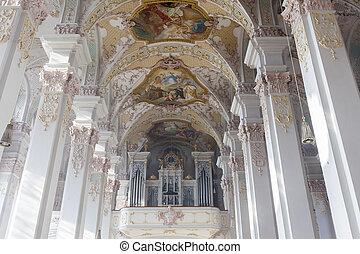 Heiliggeistkirche church in Munich