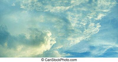 helder blauw, hemelen, met, wolken