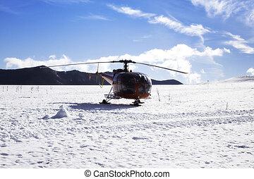 helicóptero, esquiando