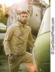 helikopter, feltevő, fiatal, pilóta