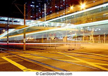helle schiene, nacht, in, hongkong, ihm, gleichfalls, a, art, von, transport, in, dieser, city.
