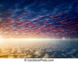 helles licht, in, himmel, glühen, horizont, und, wolkenhimmel, ruhig, sonnenuntergang