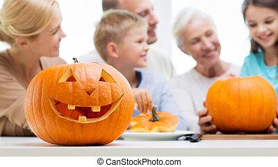 helloween, familia , calabaza, encima, linterna, feliz