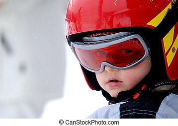 helm, weinig; niet zo(veel), goggles, skier