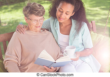 Helpful afroamerican carer - Picture of helpful afroamerican...