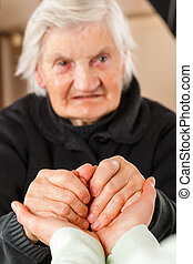 Helping hands - Choose the right caregiver for your loved...