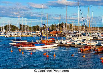 helsinki, finlande, yachts