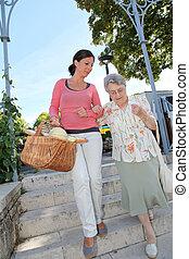 hem, carer, med, äldre människa, in, stad