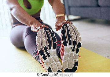 hem- fitness, negress, gör, genomkörare, sträckande, på, vaddera