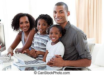 hem, lycklig, arbete, afroamerikansk, familj, dator