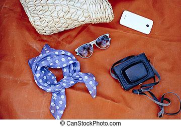 hembra, accessories:, bolsa, bufanda, sol