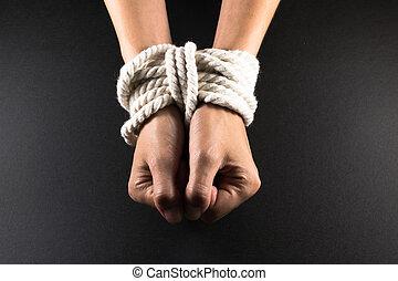 encontrar hembra esclavitud
