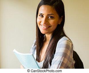 hembra, estudiante de la universidad