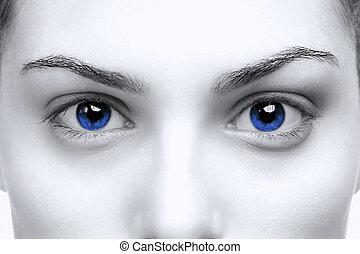 hembra, ojos azules