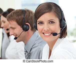 hembra, servicio de cliente, agente, en, un, centro de la...