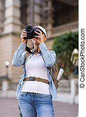 hembra, viajero, tomar las fotos