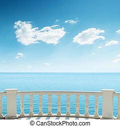 hemel, bewolkt, zee, onder, balkon, aanzicht