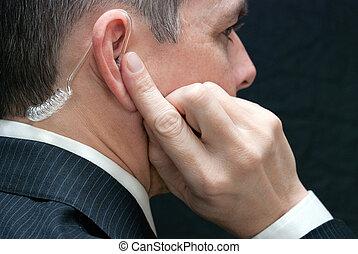 hemmelighed tjeneste, agent, hører, til, earpiece, lukke, side